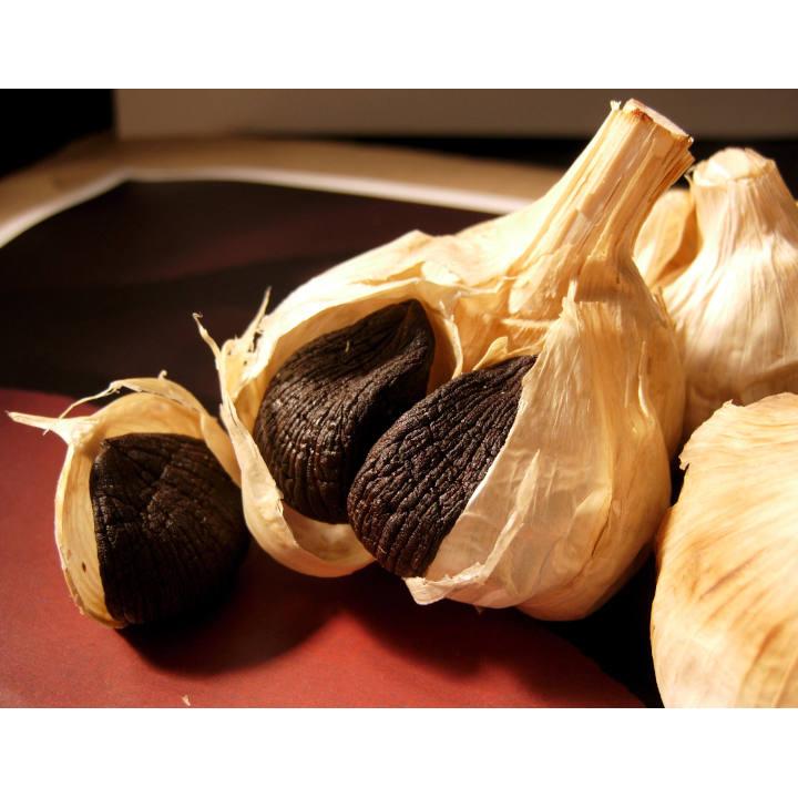 [青森] 柏崎青果 おいらせ黒にんにく機能性表示食品6玉化粧箱Lの商品画像